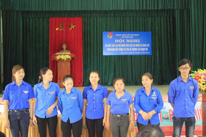"""Những thành viên cốt cán trong mô hình """"Đoàn Thanh niên xã Nam Lộc vận động, giáo dục đối tượng tù tha về không tái phạm tội"""" ra mắt Hội nghị"""