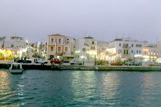 Photo: Tinos-saaren rantakatu.