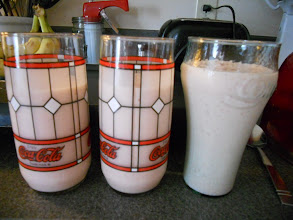 Photo: 3 glasses of smoothie with yogurt (without didn't photograph well)