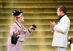 Photo: Theater in der Josefstadt: DER ZERRISSENE von Johann Nestroy. Inszenierung Michael Gampe, Premiere 2.10.2014. Marianne Nentwich, Michael Dangl. Foto: Barbara Zeininger
