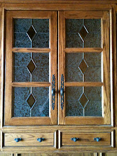 Photo: Cabinet glass in tradional stained glass, leaded glass, handmade, custom. Kitchen, pantry, armoire.