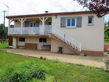 maison à Chabreloche (63)