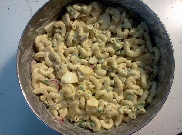 Hearty Macaroni Salad Recipe