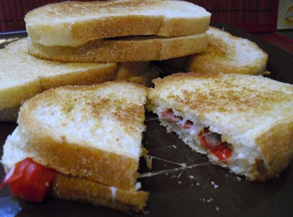 Mini Italian Grilled Cheese Sandwiches Recipe