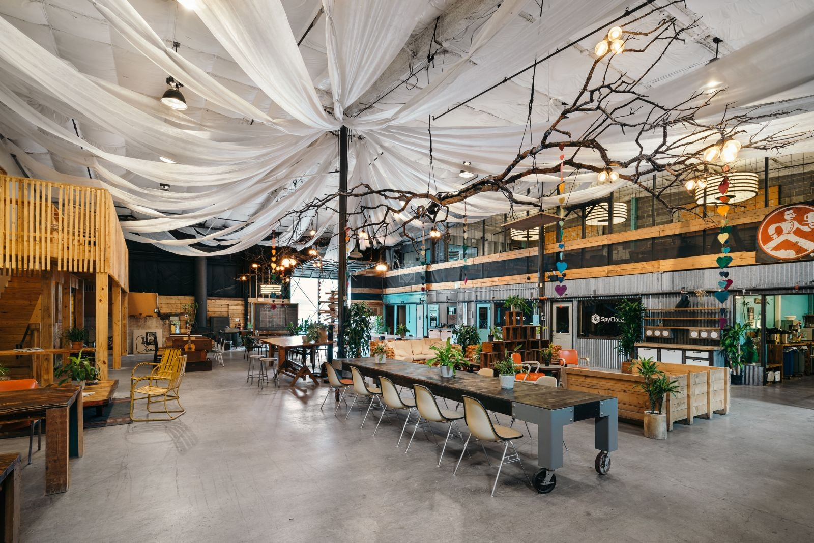 Coworking Space Austin: 15 Best Spaces with Pricing, Amenities & Location [2021] 32