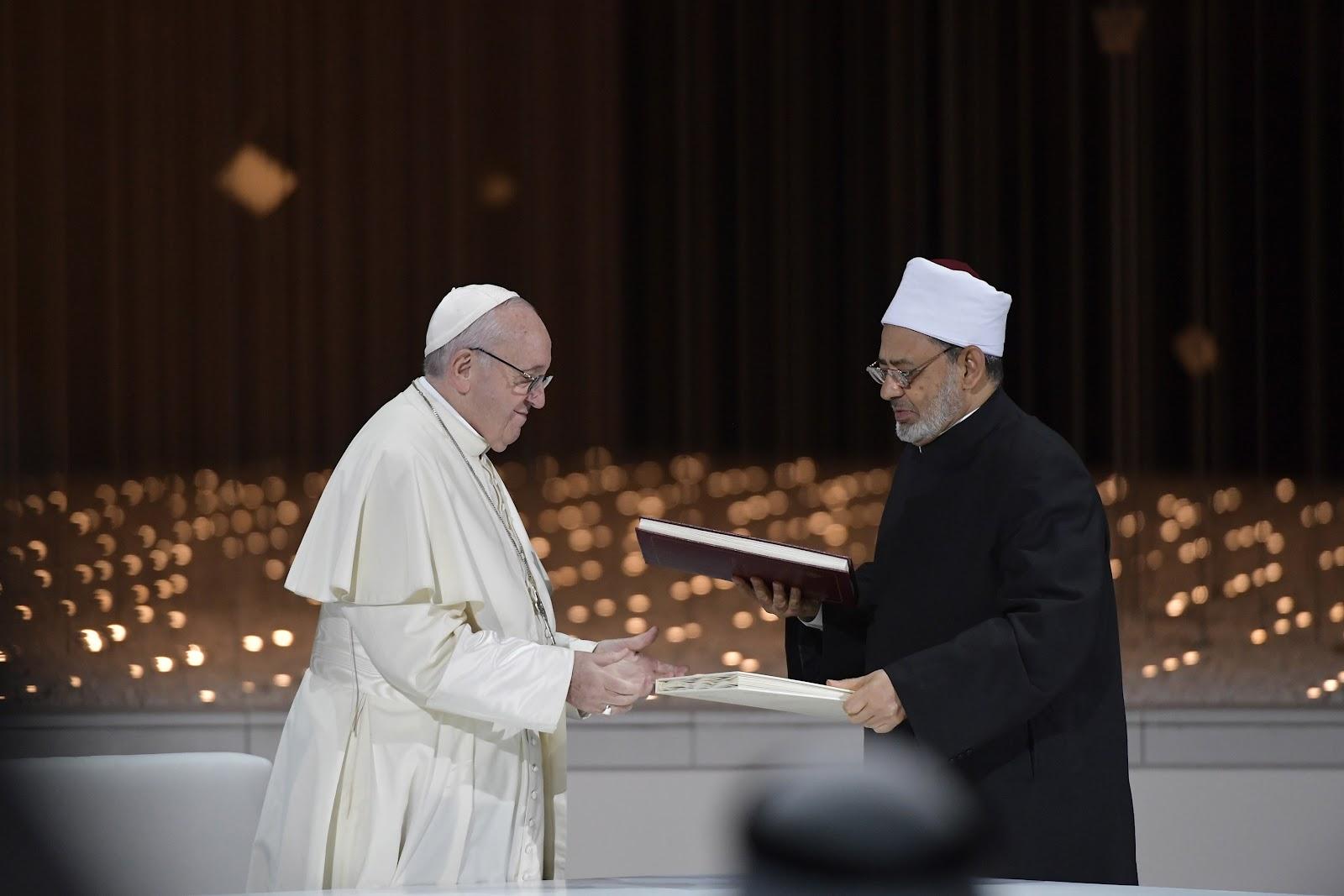 Abu Dhabi: Văn kiện lịch sử được ký bởi Đức Thánh Cha Phanxico và Đức Đại Imam của Đại học Al-Azhar