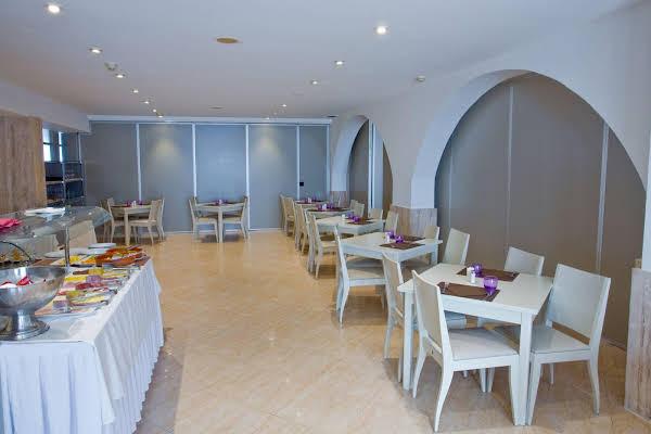 Hostal Jeni & Restaurant