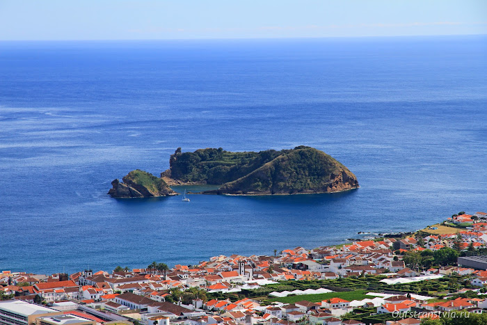 остров Ilhéu da Vila напротив Вила-Франка-ду-Кампу