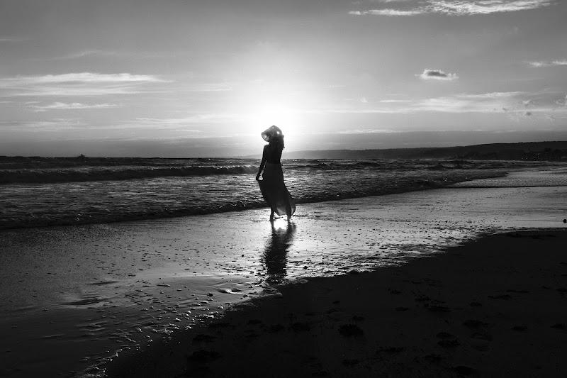 La musica del mare termina sulla riva o nel cuore dell'uomo che l'ascolta? di Tindara