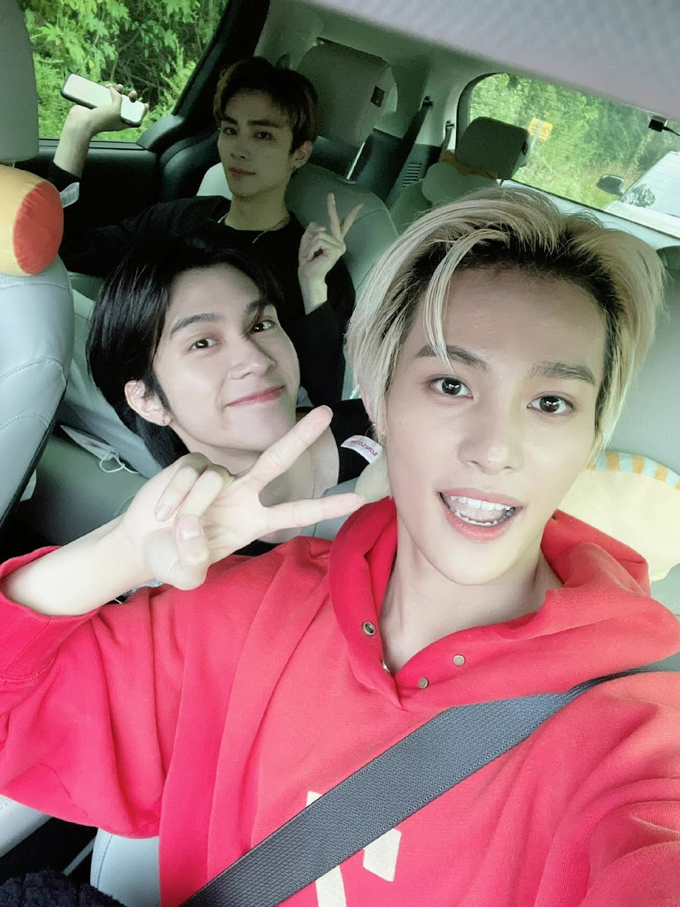 wayv xiaojun hendery yangyang weibo