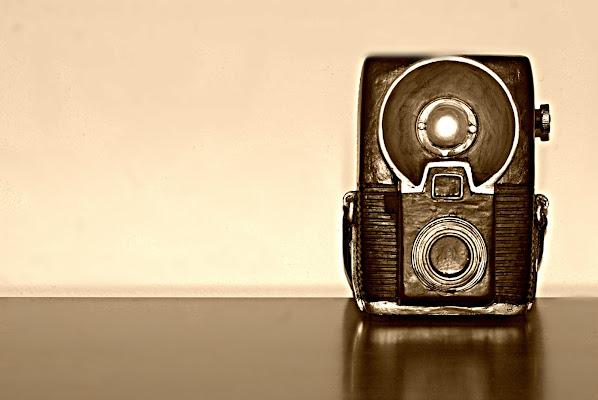 Old camera di Senide Ph