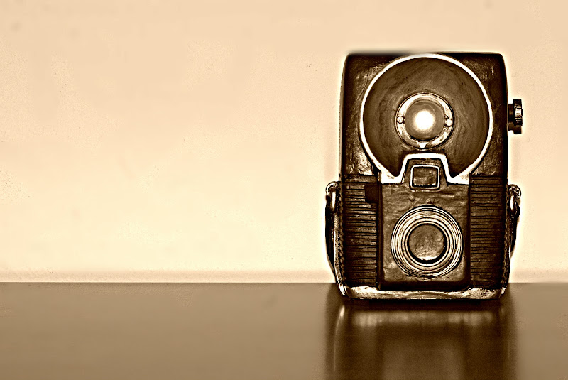 Old camera di Senide Ph