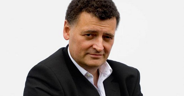 Steven Moffat wants to play next Doctor Who