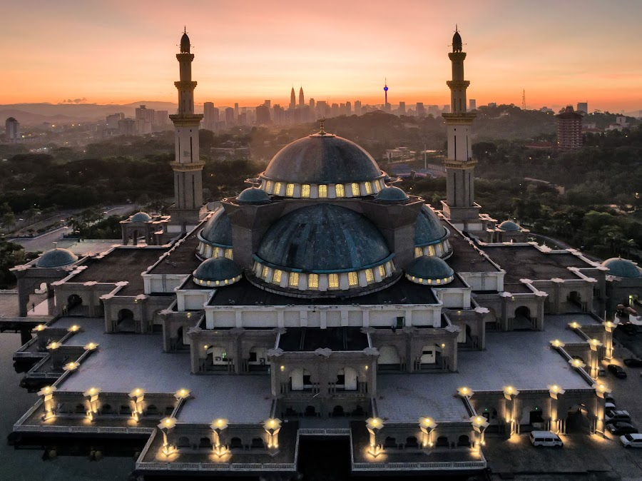 Federal Mosque Sunrise by Edwin Ng - Buildings & Architecture Places of Worship ( 2016 )