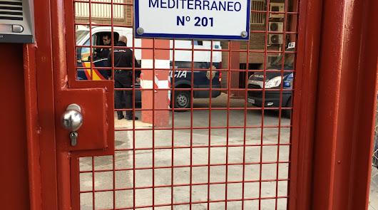 Acceso a los calabozos de la Comisaría de Almería