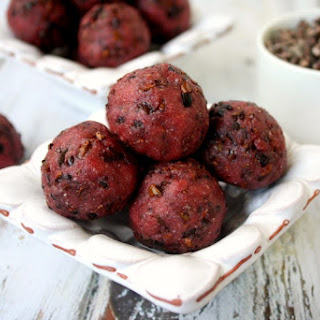 Cacao Nib Superfood Truffles (Raw, Vegan, Gluten-Free, Dairy-Free, Paleo-Friendly, No Refined Sugars)