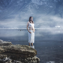 Misty Mountain maternity by Jeanre DeBod-Photography - People Maternity ( water, maternity, misty mountain, baby bump,  )
