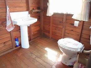 Photo: Oulik so in sy Wendy House.  Goed Jannie speel nog, want hy sou sekerlik wou weet waar die mans se staanplek nou is.
