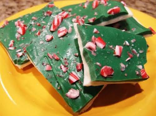 Candy Cane Mint Bark Have a microwave? Cool, then you can make...