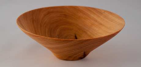 "Photo: Elliot Schantz 6"" x 2 1/2"" bowl [cedar]"