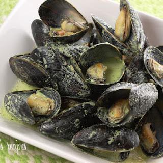 Mussels in Basil Cream Sauce.