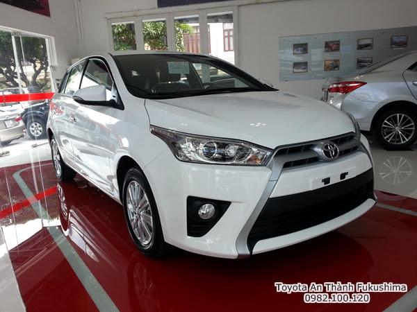 Khuyến Mãi Giá Xe Toyota Yaris 2016 Nhập Khẩu TPHCM màu trắng