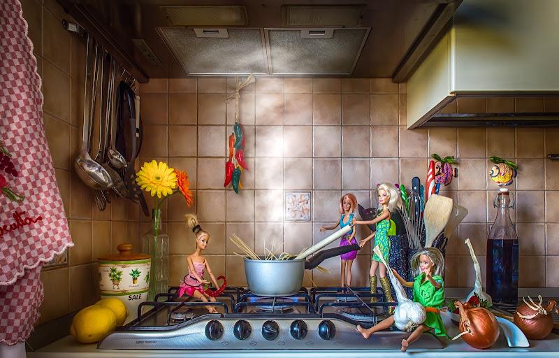 Barbie ai fornelli di Marcello Zavalloni