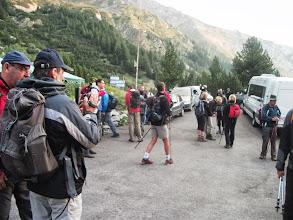 Photo: Испред Планинарског дома Вихрен, припреме за успон и сусрет са планинарима с југа Србије