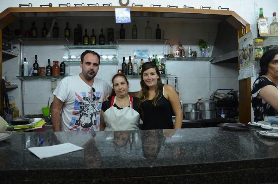 Restaurante Barrete Encarnado, con Paula