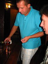 Photo: Grześ przywiózł jakieś mołdawskie napitki, Adam częstował koniakiem a ja wyjął placki na zagrychę :) I tak czas minął do północy.