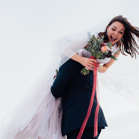 Wedding photographer Oleg Pukh (OlegPuh). Photo of 09.12.2017