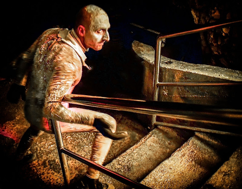 Hell in the Cave di Diana Cimino Cocco
