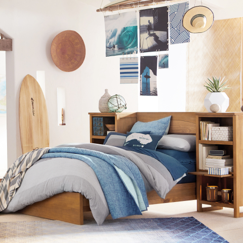 Bring A Surfer Vibe for Your Bedroom