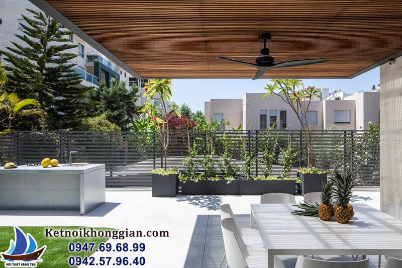 thiết kế căn hộ có sân sau rộng