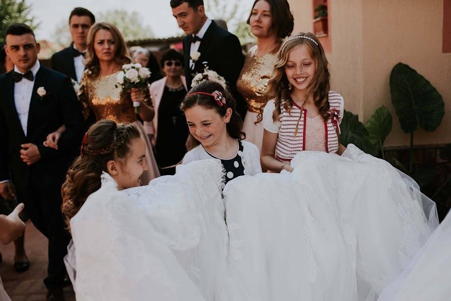 Wedding photographer Blanche Mandl (blanchebogdan). Photo of 13.05.2017