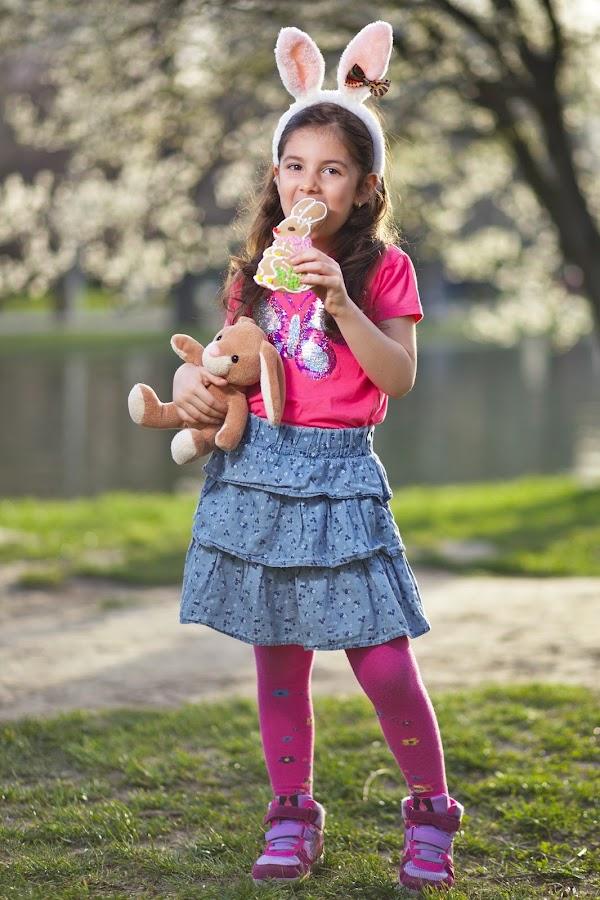 Bunniez by Nicu Buculei - Babies & Children Child Portraits ( girl, easter, bunny, children, kids, spring, portrait )