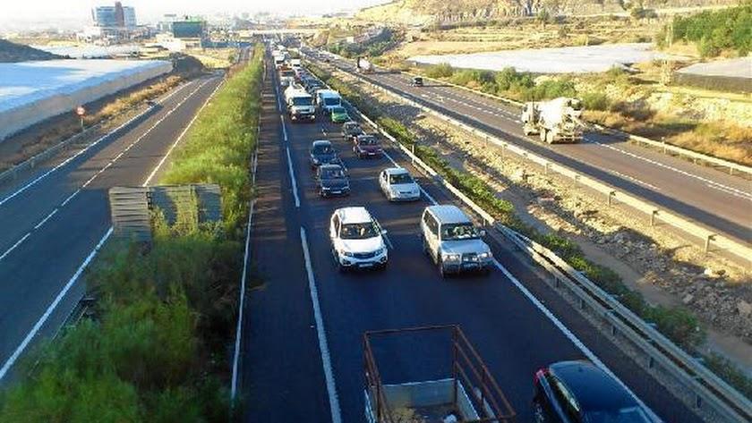 Imagen de archivo de la A7 a su paso por el Poniente.
