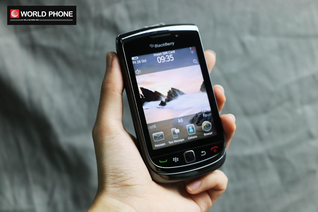 BlackBerry với màn hình cảm ứng TFT 16 triệu màu, là một màn hình có màu sắc rất tốt, góc nhìn rộng và thích hợp với mọi điều kiện môi trường