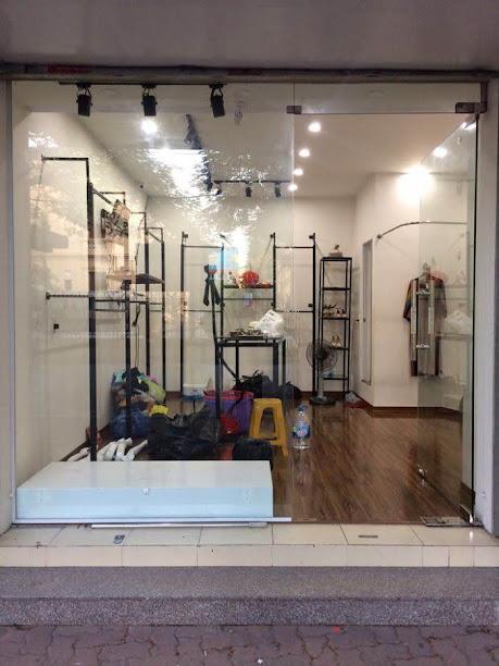 thiết kế shop thời trang trẻ em 2