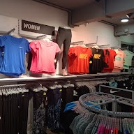 Nike Factory Outlet photo 6