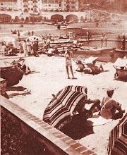 Photo: Praia artificial do Hotel Quitandinha. Foto de 1946, antes da pribição dos jogos de azar no Brasil e posterior desativação do prédio