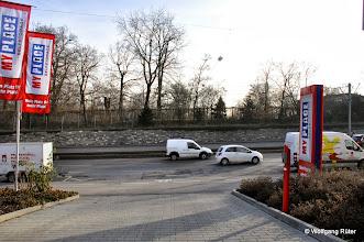 Photo: Genau hier auf der gegenüberliegenden Seite der Pragstraße B 10 sind die Einschnitts-Baubereiche Rosensteintunnel in die Wilhelma geplant