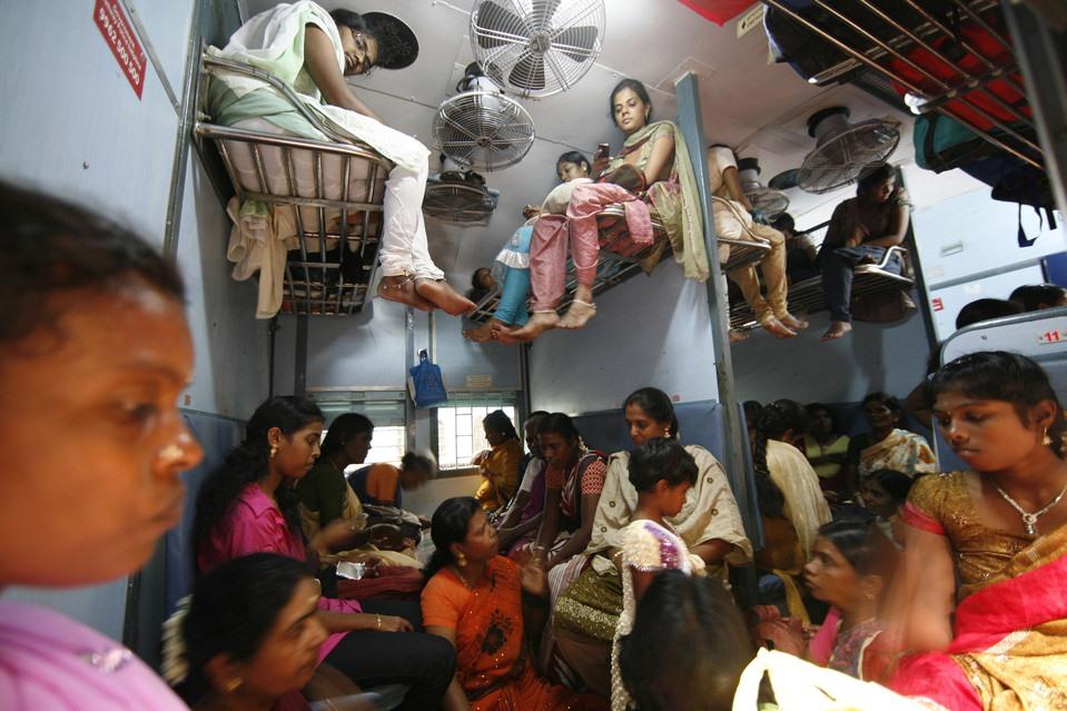 Як виглядають плацкартні вагони у різних країнах світу індія