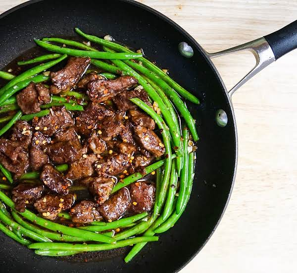 Beef And Green Beans In The Skillet