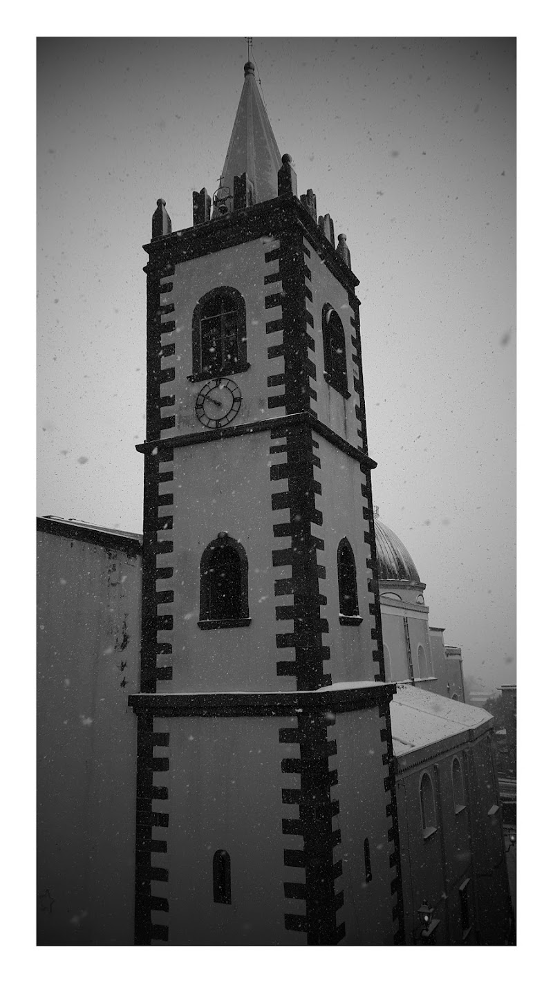 Snowy church di Fiore.G