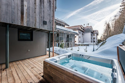 MESMERISING CHALET WITH HOT TUB IN CHAMONIX