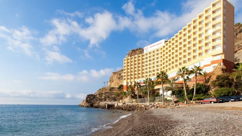 Hotel de Senator habilitado como recurso habitacional frente al covid-19 en Almería.