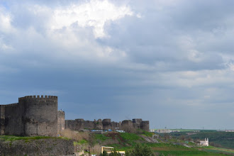 Photo: View of the old walls (castle) of Amed
