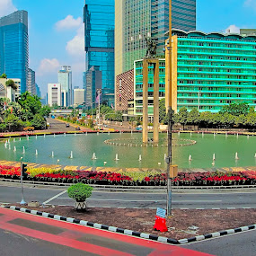 Bundaran Hotel Indoneaia by Andi Irawan - Buildings & Architecture Office Buildings & Hotels ( building, indonesia, jakarta, monument, hotel, cityscape, city park, city )