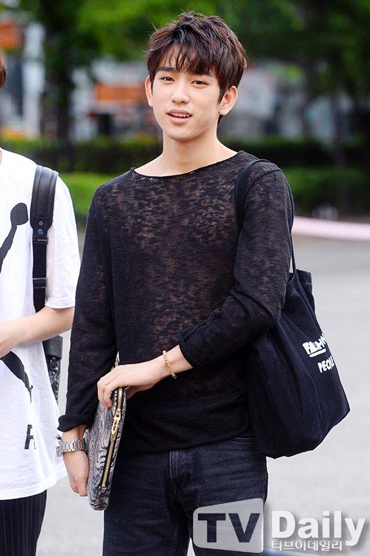 jinyoung shirt 4